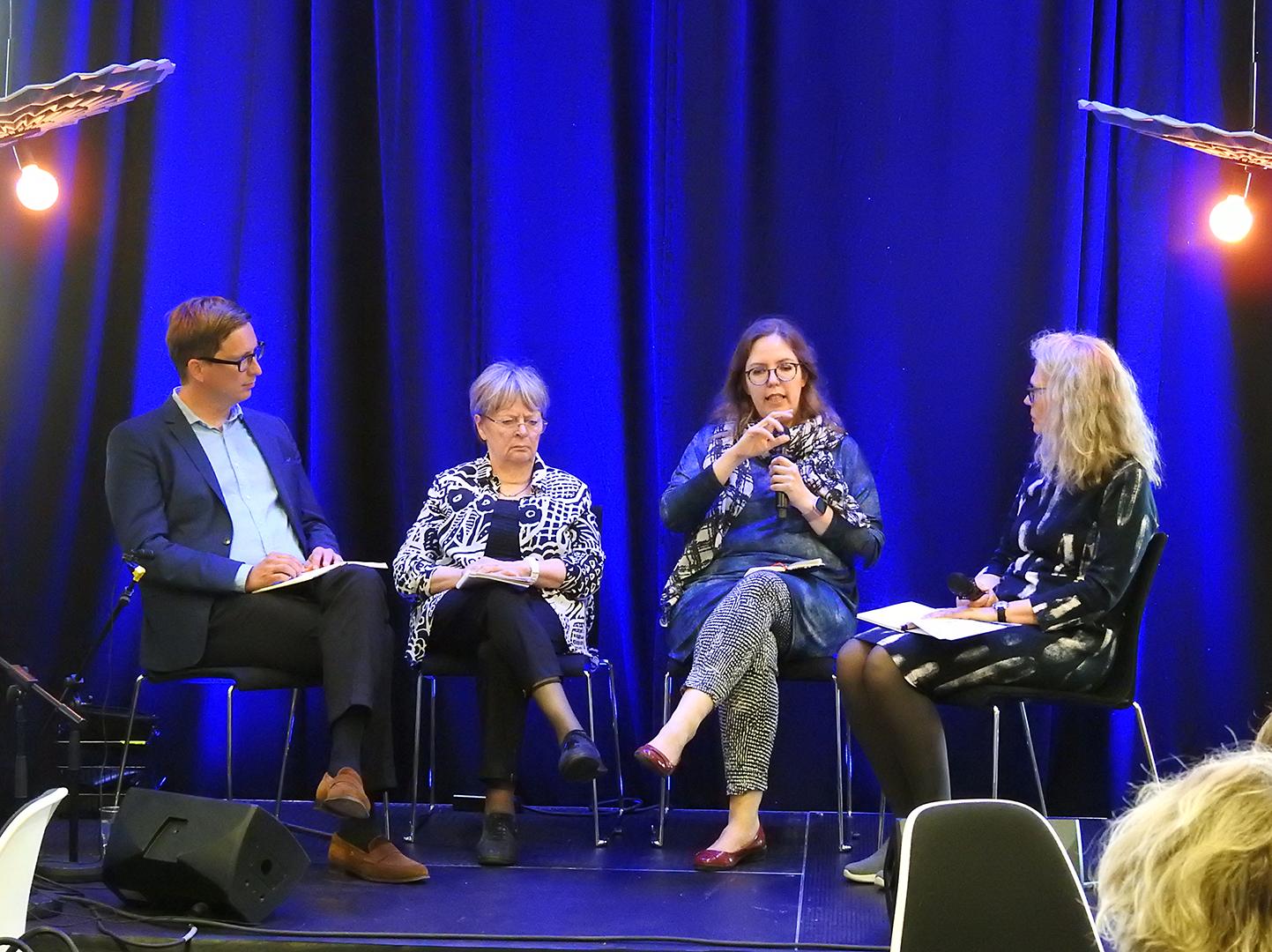 Kuvassa vasemmalta: Jaakko Kuosmanen, Liisa Jaakonsaari, Emilia Palonen, Reetta Kettunen